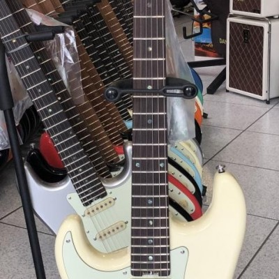 Schecter - Trad Route66 IVY...