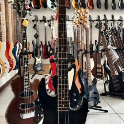 USATO - Fender  JP90 BK -...